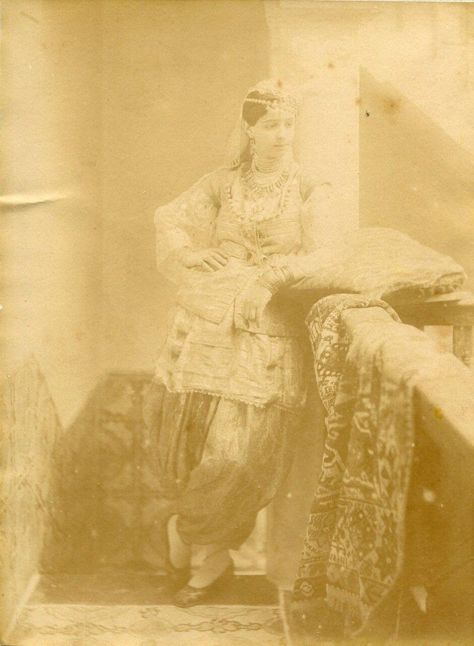 1880. Женский портрет