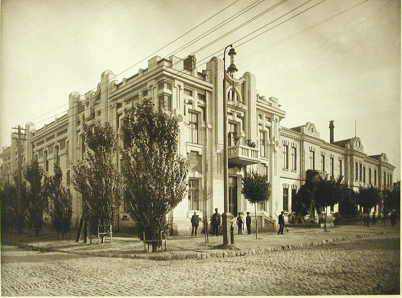 02.Общежитие и больница общины