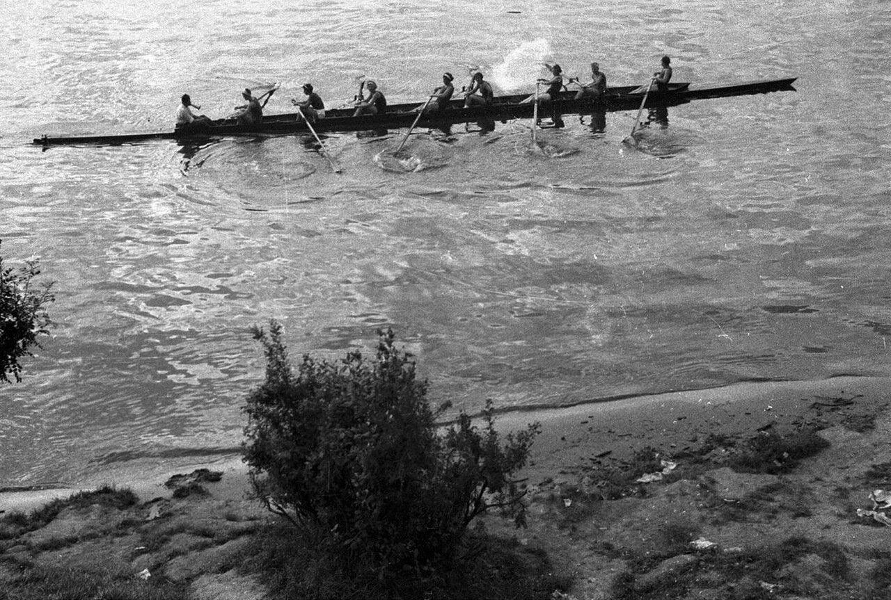 102. Большой Голицынский пруд