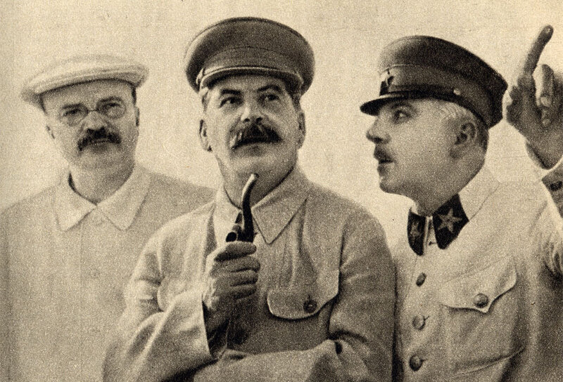 Joseph Stalin Vyacheslav Molotov and Kliment at the central airfield Frunze during a meeting in Moscow 1937.jpg