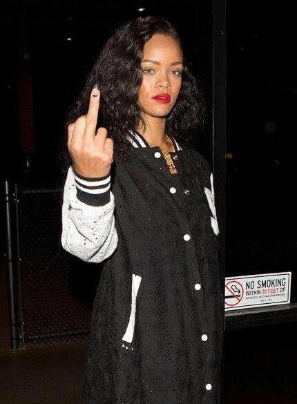 Rihanna - Middle Finger     b.jpg