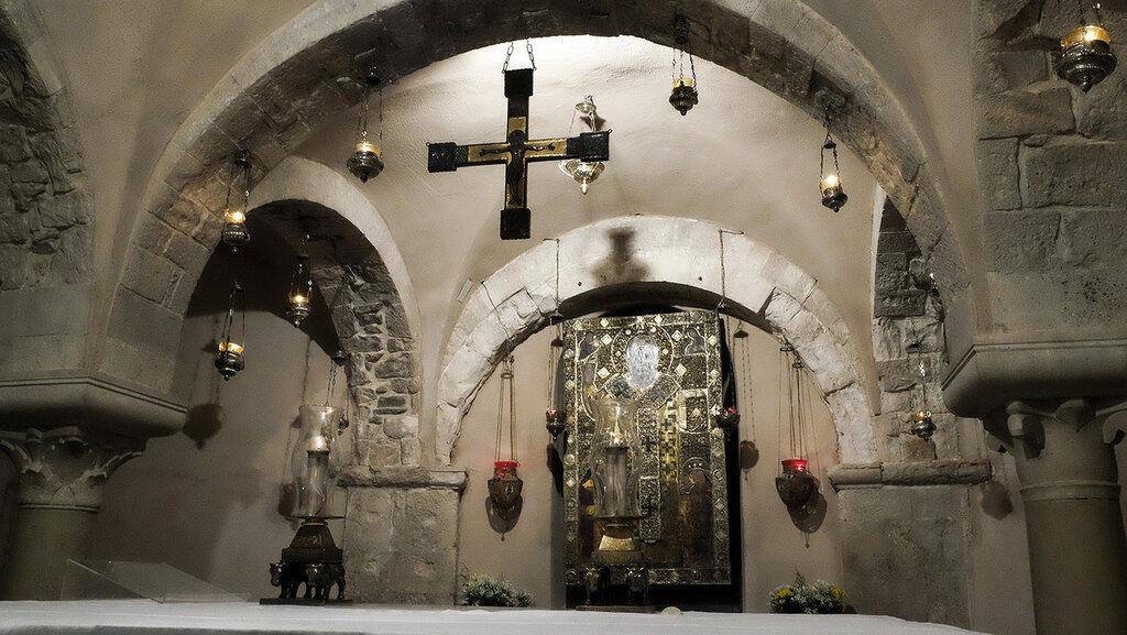 С 1932 года собор был закрыт для богослужения