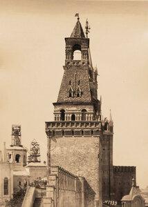 Вид Набатной башни Кремля (построена в 1495 г.). Москва г.