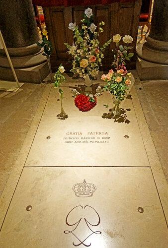 Grave of Princess Grace of Monaco, Grace Kelly - Cathédrale Notre-Dame-Immaculée