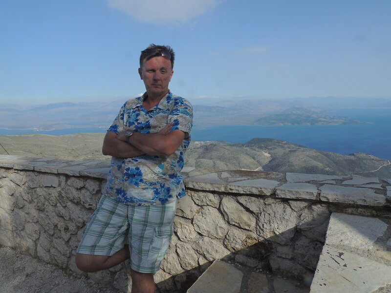 на самом верху острова - на горе Pantakrator