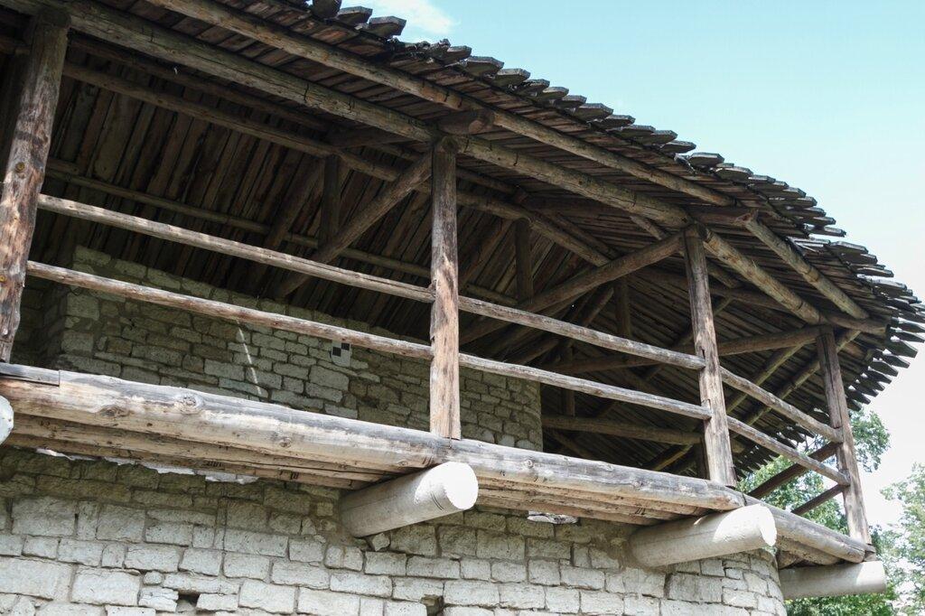 Крепостная стена Окольного города, Псков