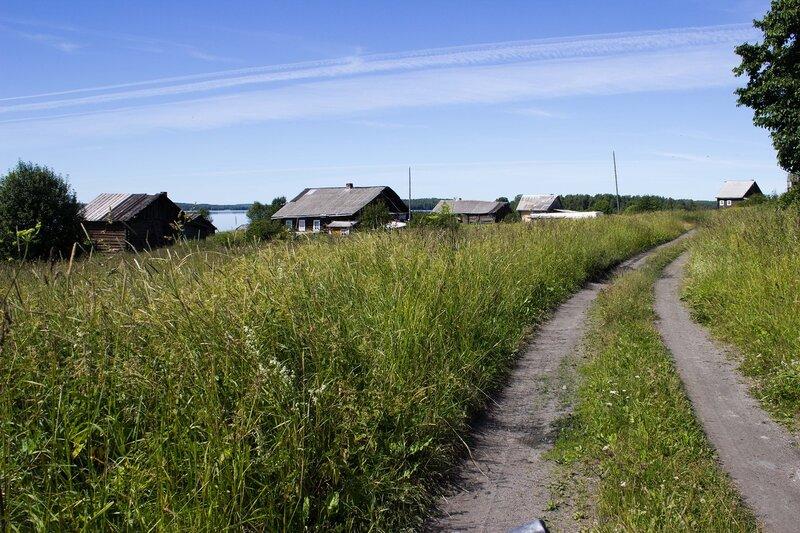 деревня Ерши на берегу озера Сандал