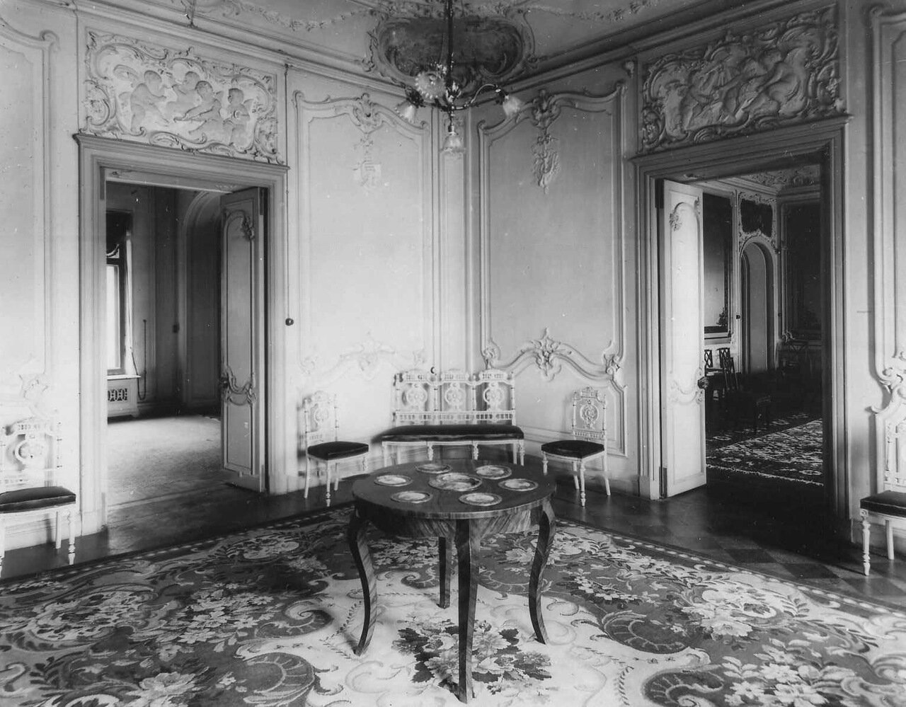 20. Интерьер в испанском посольстве. 1906