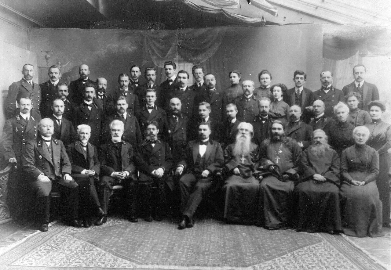 16. Группа преподавателей училища. До 1914