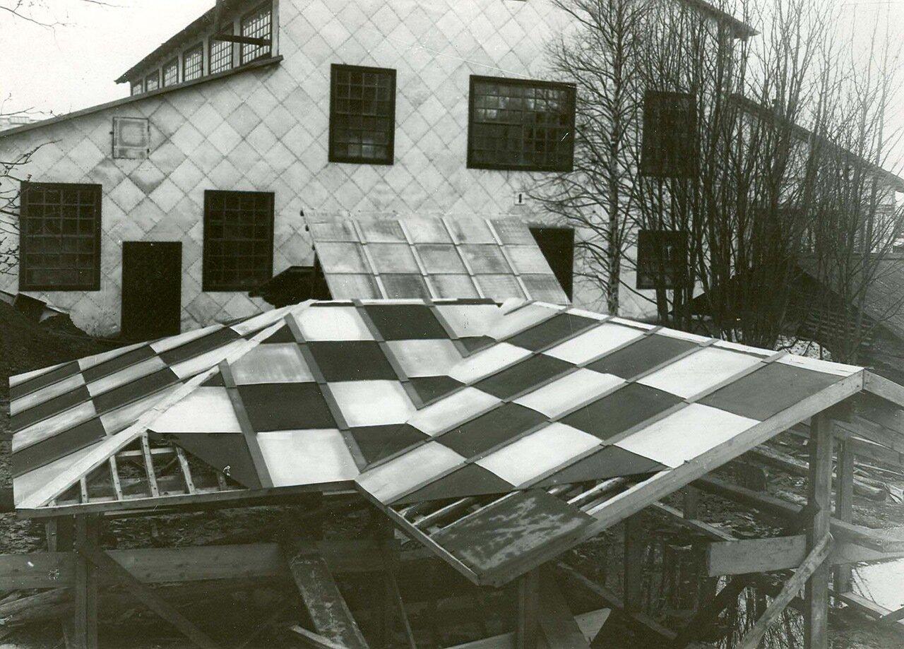 17. Постройка крыши из звеньев, сделанных на заводе