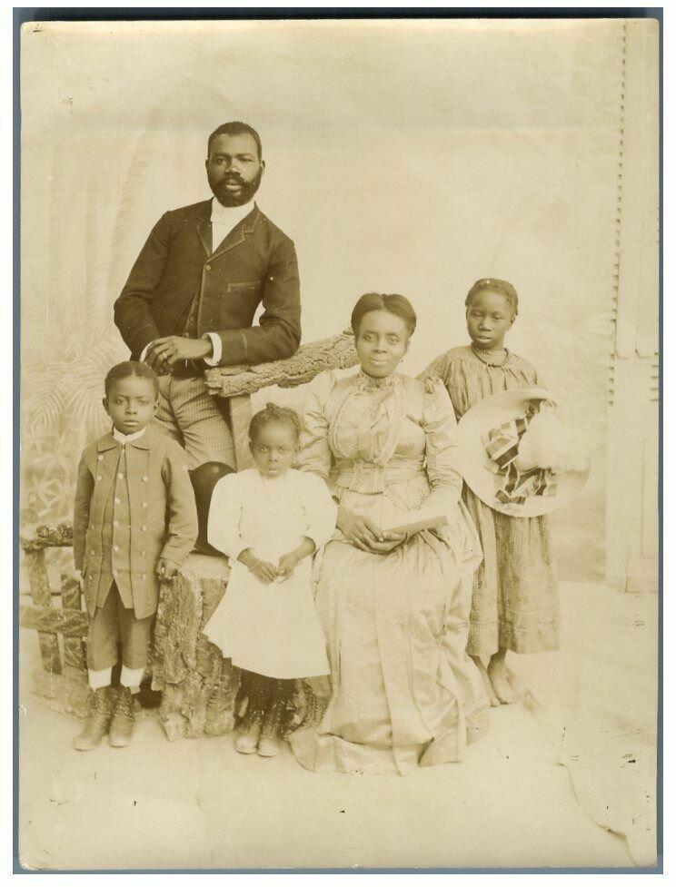 Цивилизованная семья из Сен-Луи. 1895