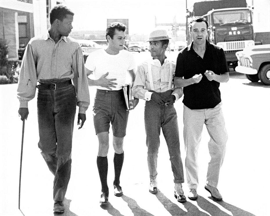1958. Сидни Пуатье, Тони Кёртис, Сэмюел Джордж «Сэмми» Дэвис-младший, Джек Леммон