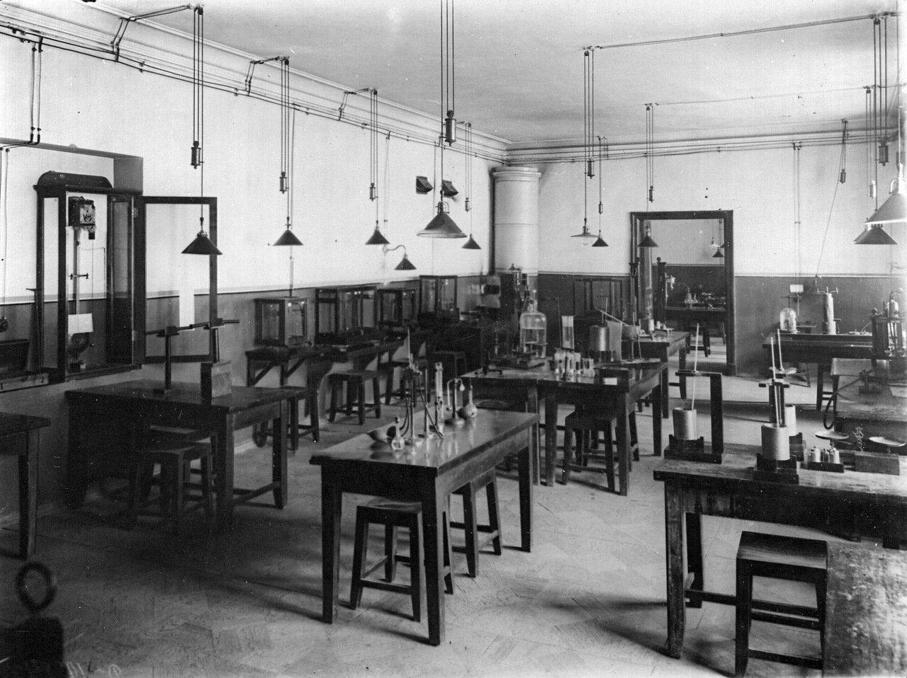 03. Общий вид лаборатории института