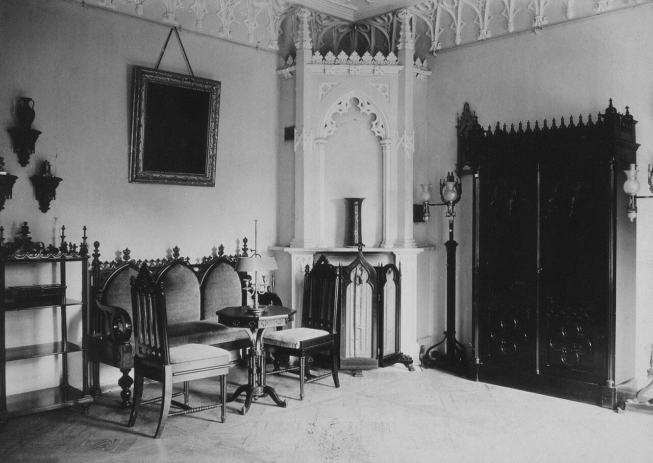 Готический кабинет в усадьбе Марьино
