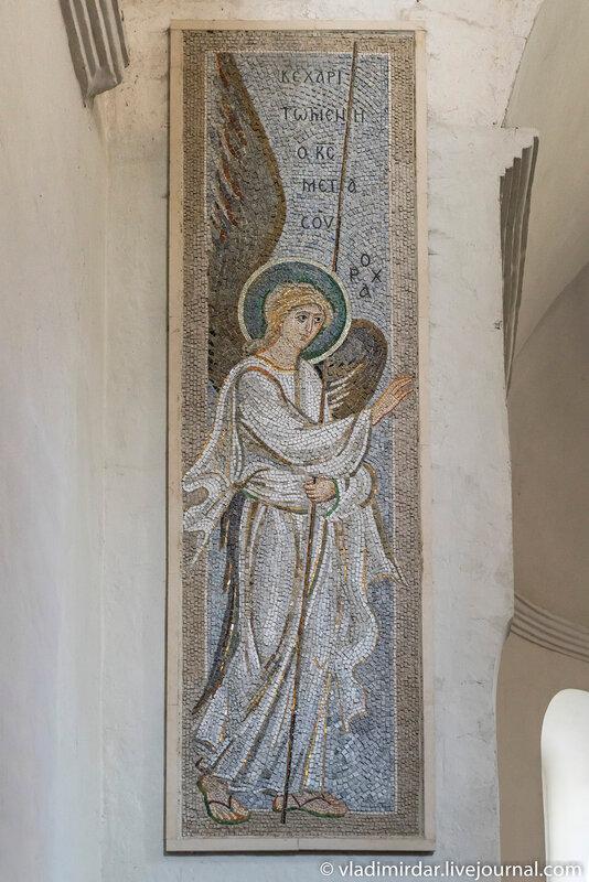 Мозаичная икона Архангела Гавриила в Храме Преображения