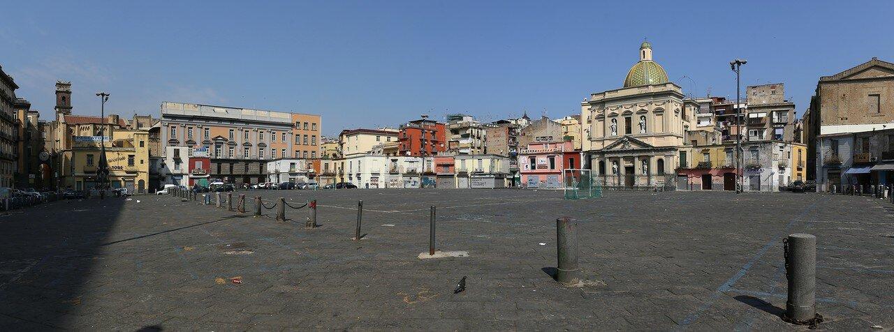 Naples. Market square (Piazza Mercato)