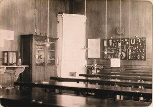 Вид части помещения учебного класса авиароты.