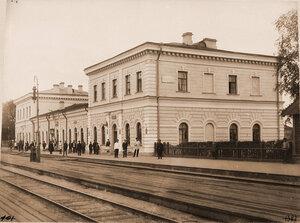Вид пассажирского здания на станции. Витебская губ. Режица ст.