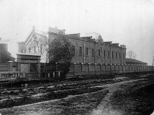 Общий вид здания фабрики.