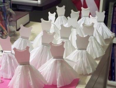 Бумажные платья для декора
