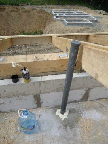 Вывели вентилятор канализации под крышу