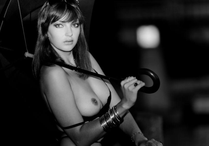 eroticheskie-foto-s-zontom