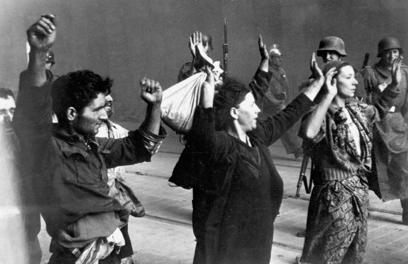 Картинки по запросу восстание в Варшавском гетто