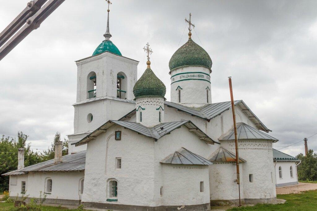 Никольская церковь, Остров