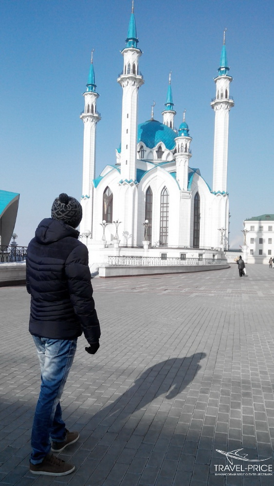 Бело-голубая мечеть Кул-Шариф