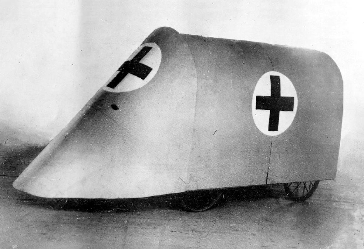 Экспериментальная броированная машина Красного Креста, предназначенная для вывоза раненых с передовых позиций (1915 год) (13)