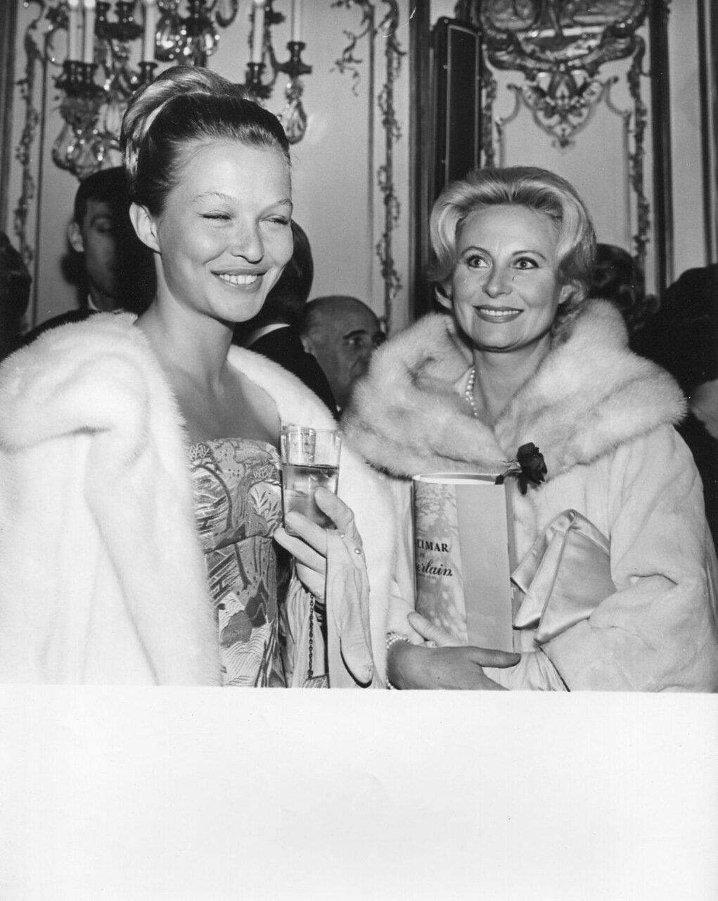 1960. Марина Влади и Мишель Морган