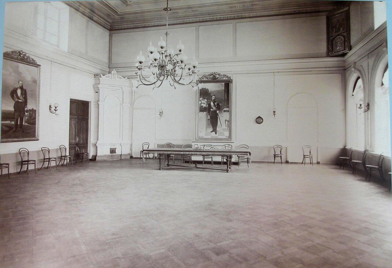 07. Общий вид актового зала Третьей Киевской гимназии