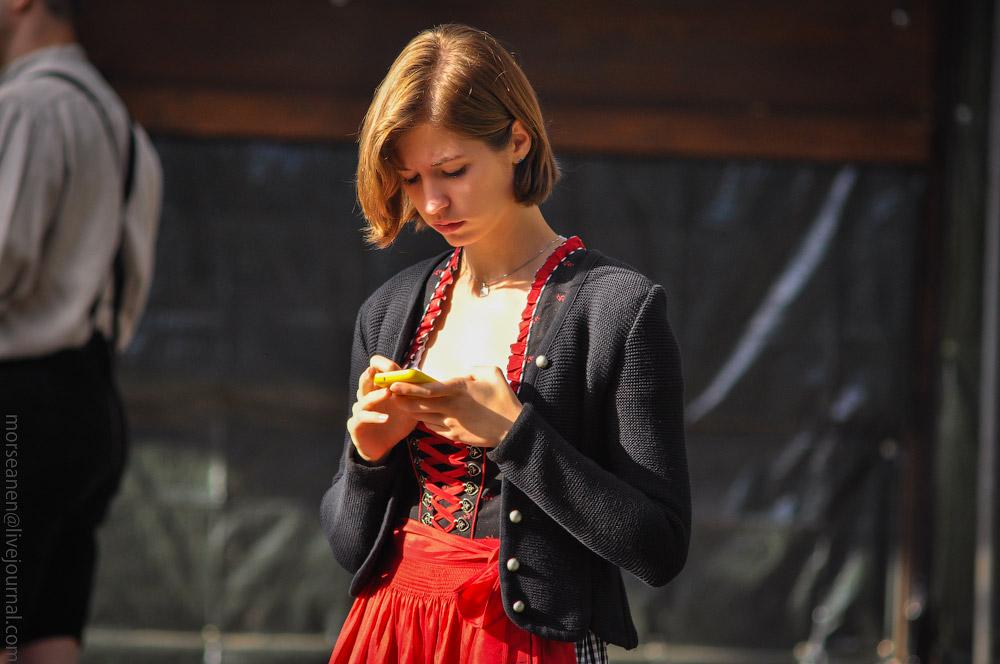 girls-Oktoberfest-(47).jpg
