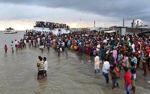 Затонул паром с 200 пассажирами в Бангладеш, спаслись 50
