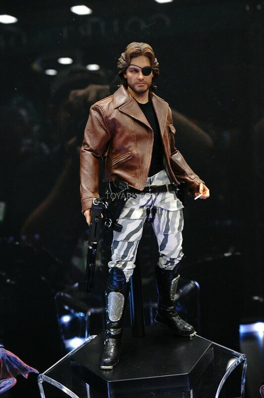 SDCC-2014-Sideshow-Snake-Plissken-Sixth-Scale-Figures-002.jpg