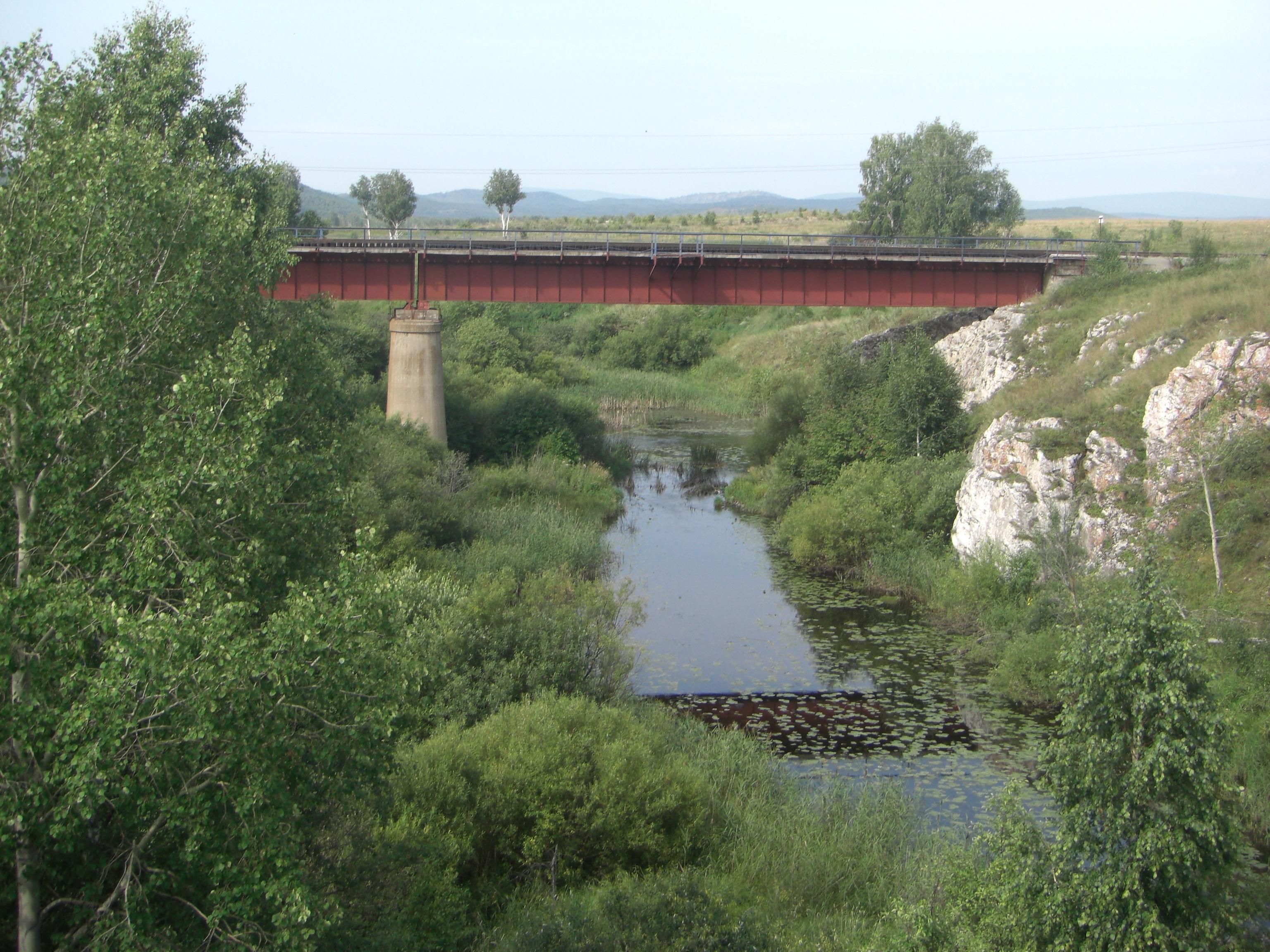 Железнодорожный мост через Миасс возле Устиновского каньона
