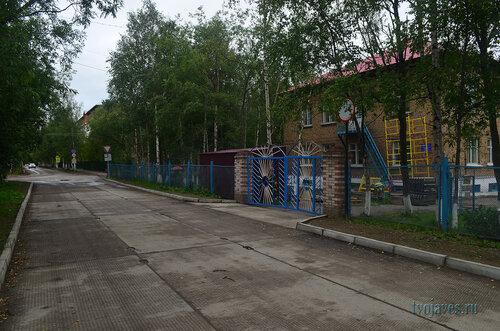 Фото города Инта №7152  Юго-восточный угол Чайковского 8 (детский сад