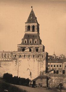 Вид на Константино-Еленинскую башню Кремля (построена в 1490 г. итальянским архитектором Пьетро Антонио Солари). Москва г.