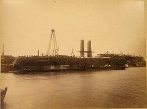 Вид эскадренного броненосца Чесма (заложен в 1883 г., спущен на воду в 1886 г.) и барбетного броненосца Синоп (заложен в 1883 г., спущен на воду в 1887 г.). Севастополь