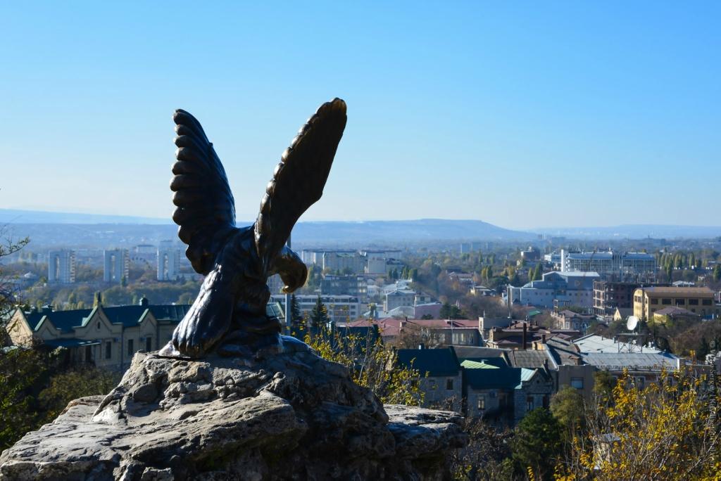 Почему бронзовая птица стала символом Кавказских минеральных вод?