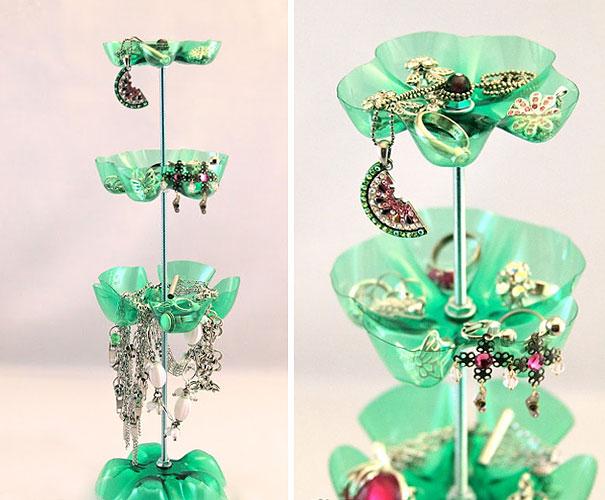 Подставка для драгоценностей из пластиковых бутылок