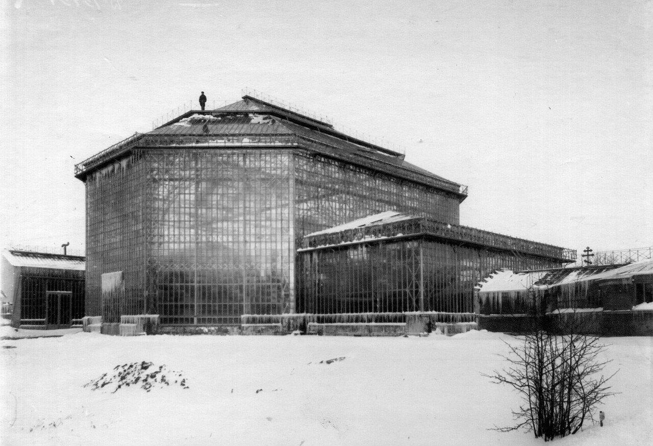 12. Здание оранжереи Ботанического сада. 1915