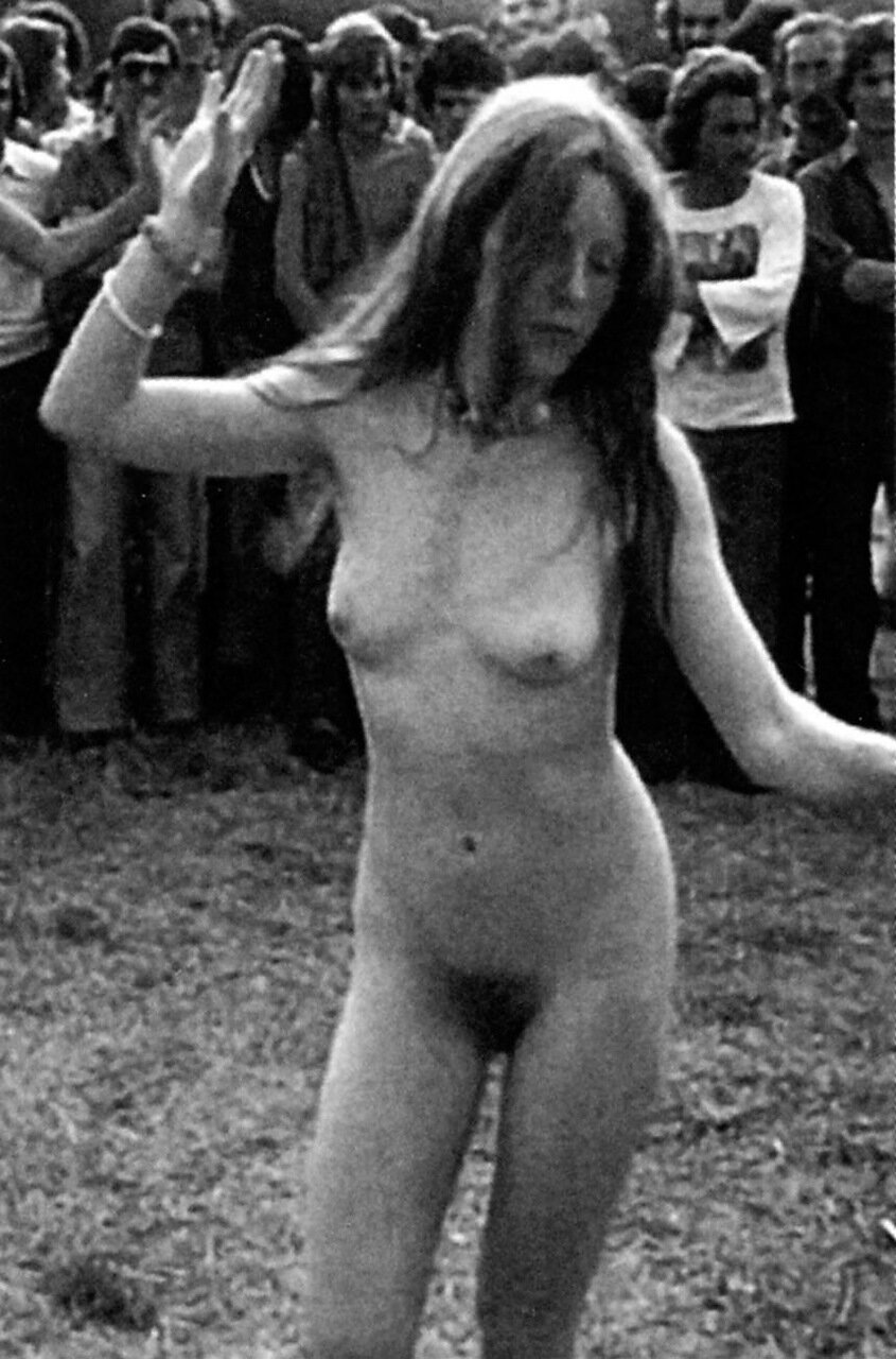 nude-photos-from-woodstock