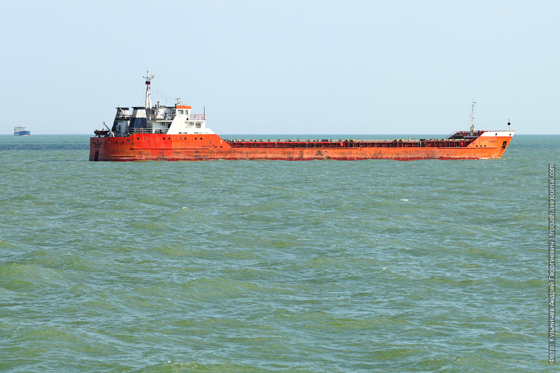рейд перед входом в Волго-Каспийский судоходный канал