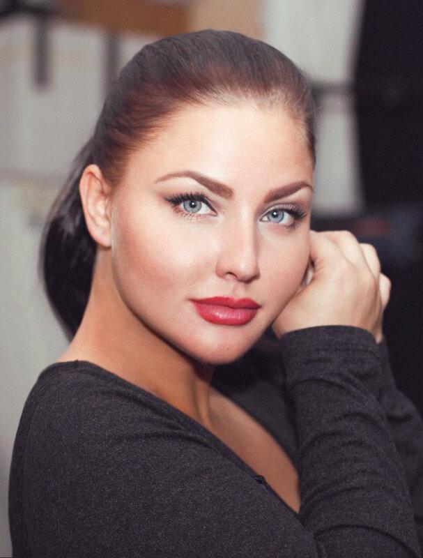Фигура модели Юлии Лавровой составляет конкуренцию Кардашян