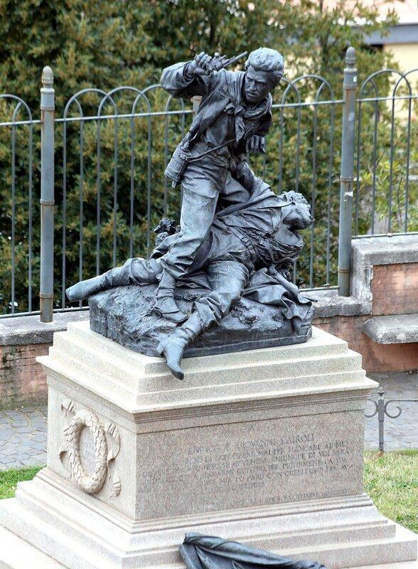 Рим. Памятник Энрико и Джованни Кайроли (Enrico e Giovanni Cairoli monument)