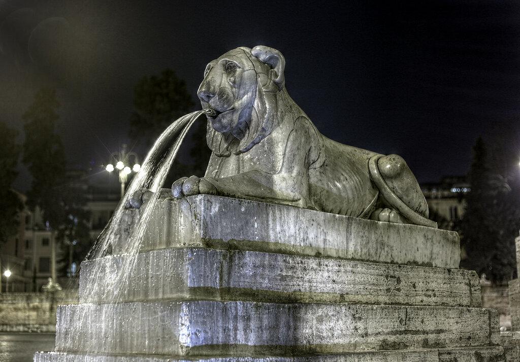 Ночной Рим. Пьяцца-дель-Пополо. Фонтан. Лев