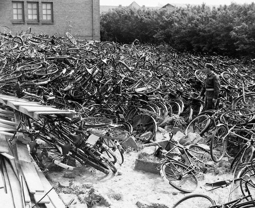 PAYS-BAS - MAI 1945. Photos Bob Landry - LIFE Collections