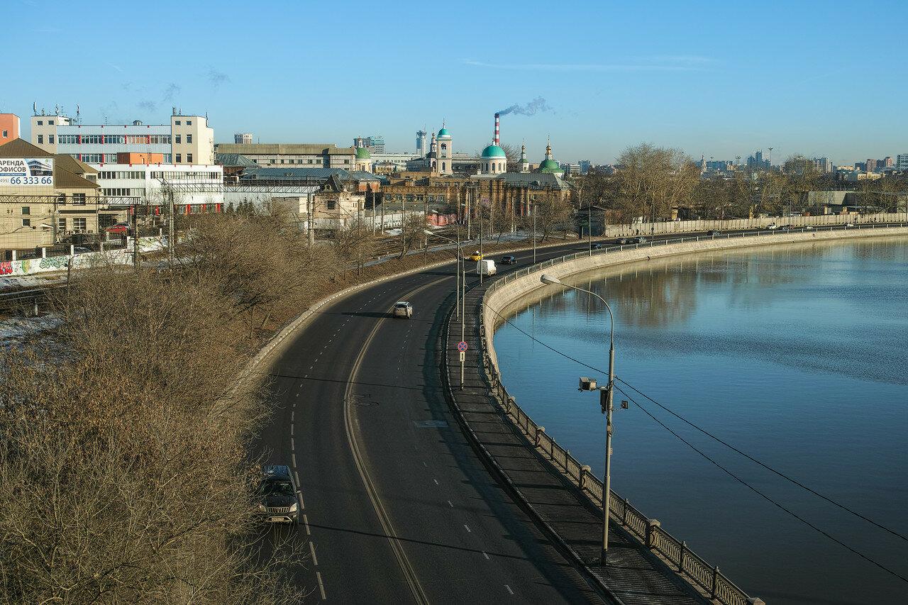 Москва. Вид с моста на Тульской.