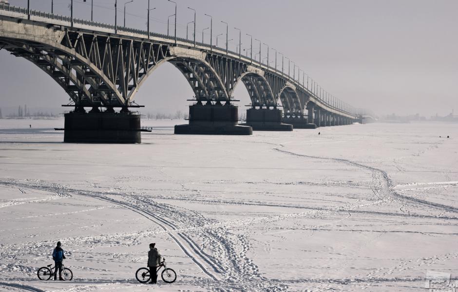 На велосипеде по реке. Денис Поляков.